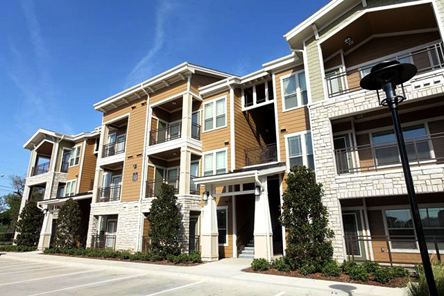 Lakewood flats luxury dallas apartments by mk for Garden park apartments greenville tx