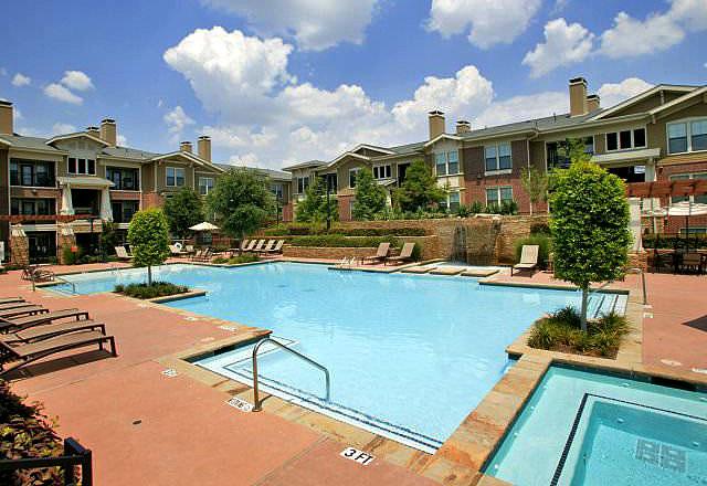 The Dakota In The Village Luxury Dallas Apartments By Mk