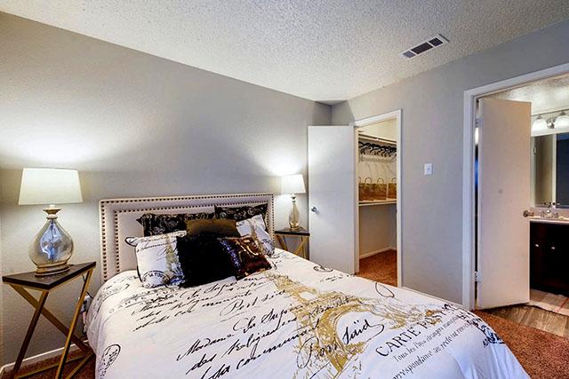 Avenida Crossing Apartment Homes Dallas Tx