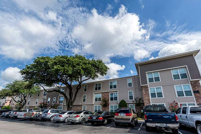Castlewood Apartments Westview Drive Houston Tx