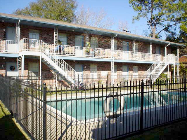 Shadowdale Oaks Apartments